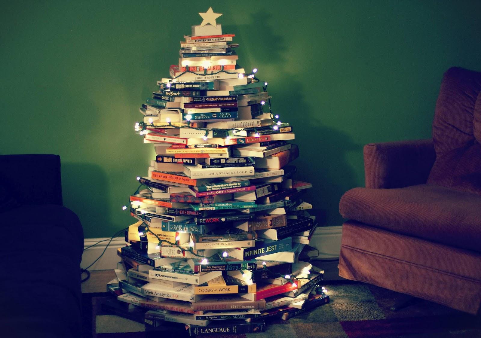 """Képtalálat a következőre: """"book xmas tree"""""""